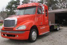 2006 Freightliner Columbia 120