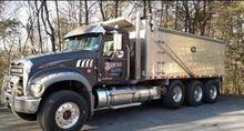 2012 Mack Granite GU713
