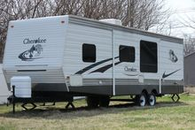 2006 Forest River Cherokee 32B