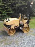 2001 Cat 224D CB Roller