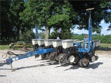 Used KINZE 2000 in M
