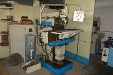 Used manual milling machine AVI