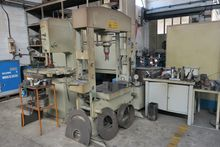 Used hydraulic press 100 tons O