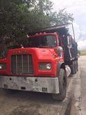 Used 1987 MACK RD in