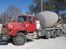Used 2002 MACK DM690
