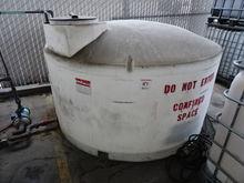 1200-Gallon Vertical Plastic St