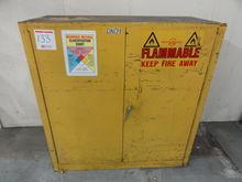Justrite 2-Door Flammable Stora