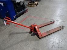 BT Lifter 5000lb Capacity Palle
