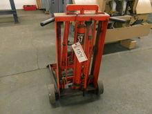 Hein-Werner 57 Hydraulic Lift