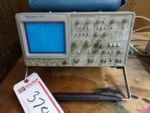 Tektronix 2445 150-MHz Oscillos