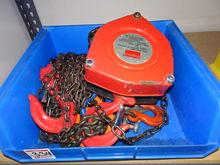 Dayton 2-Ton Chain Hoist