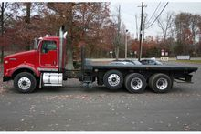 2009 KENWORTH T800 with PALFING