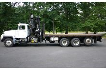 2003 MACK RD688S with HIAB 300-