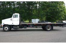 2001 INTERNATIONAL 4900 STEELHA
