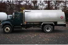 2004 INTERNATIONAL 4300 with TR