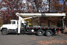 1998 NATIONAL 900 BOOM/CRANE TR