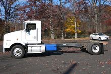 1995 KENWORTH T450B CAB/CHASSIS