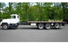 2003 MACK RD688S: CAB/CHASSIS #