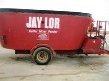 JAYLOR 2725 Vertical TMR Mixer