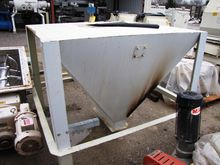 USED FEED HOPPER - 50 CUBIC FOO