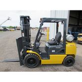 Komatsu FG25T-14 Forklift