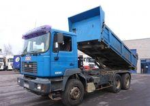 2001 MAN dump truck
