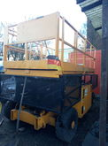 2000 GROVE sm3884 scissor lift