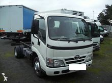 TOYOTA Dyna chassis truck