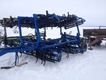 2000 UMANFERMMASH AP-6 cultivat