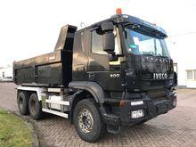 2009 IVECO Trakker 26T50 dump t