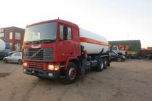 1990 VOLVO F10 gas truck
