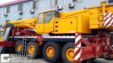 LIEBHERR LTM 1090 mobile crane
