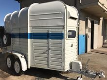 Rif10 horse trailer