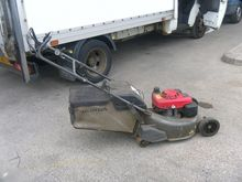 HONDA HRD 536 lawn mower by auc