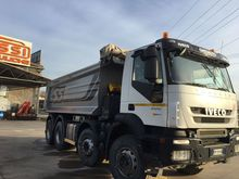 Used 2008 IVECO dump