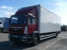 MAN TGM 18.250 closed box truck