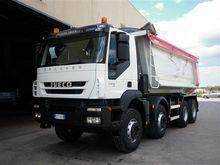 2009 IVECO AUTOCARRO dump truck