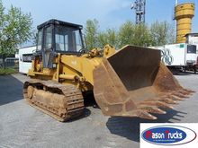 CATERPILLAR 953 B track loader