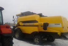 2011 HOLLAND TC5080 combine-har