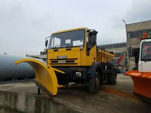 2000 IVECO 135E23 gritter