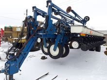 2008 KINZE 3700 combine seed dr