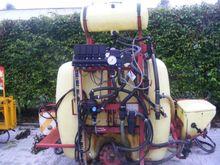 1200 l mounted sprayer