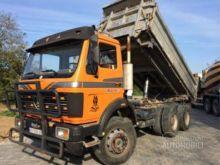1986 MERCEDES-BENZ 2232 dump tr