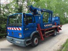 1993 RENAULT bucket truck
