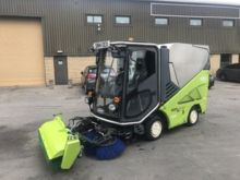2013 TENNANT 636 road sweeper