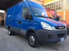 2011 IVECO Daily 35 closed box