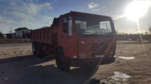 1993 VOLVO FL10 dump truck