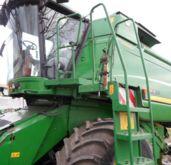 2011 JOHN DEERE T660 HM combine