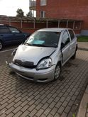 2003 TOYOTA Yaris for parts. Di