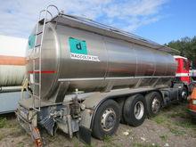 2007 VOLVO milk tanker